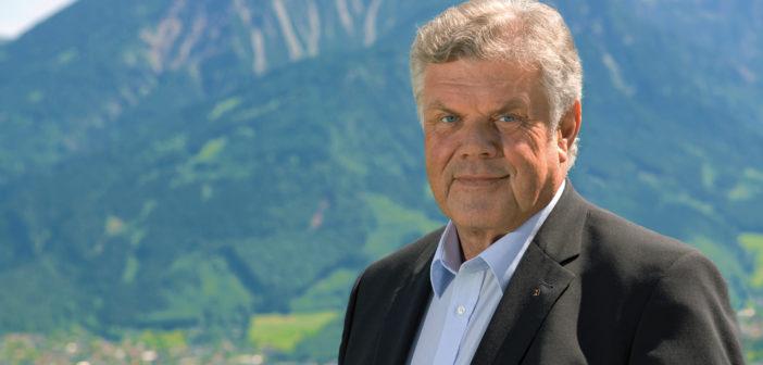Mandi Katzenmayer zum Bürgermeister wiedergewählt